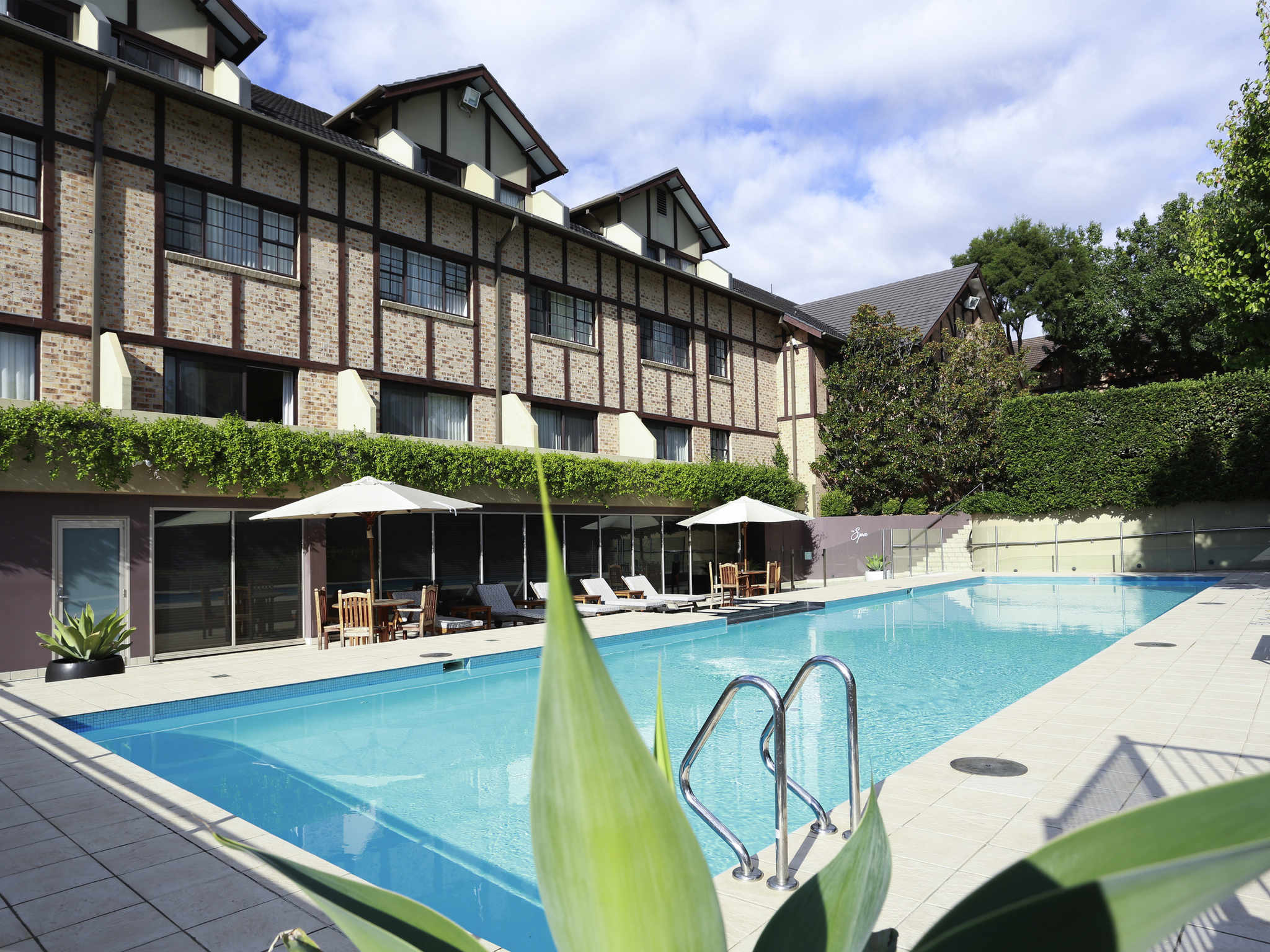 Hotel – Grand Mercure The Hills Lodge