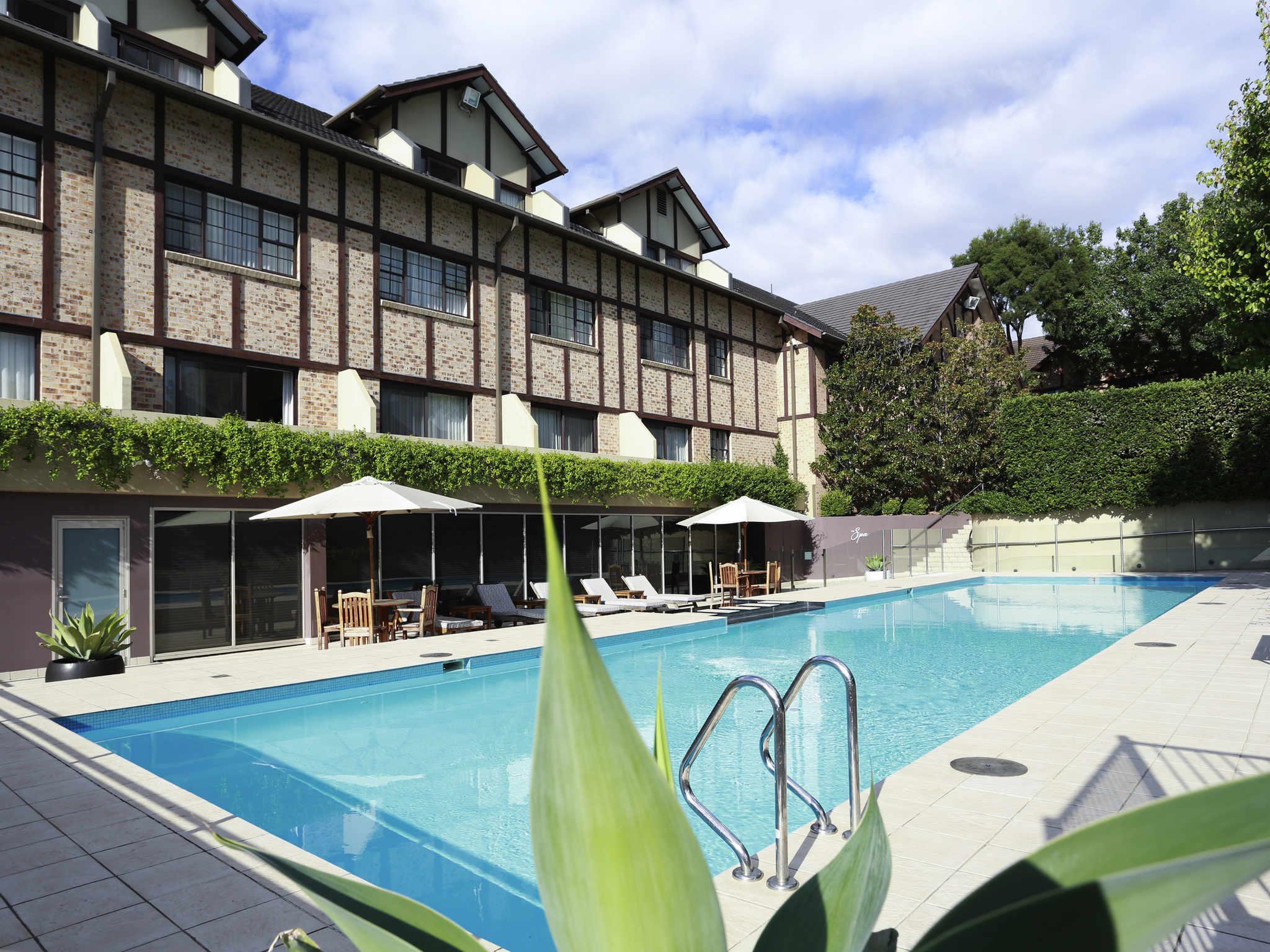 Hotell – Grand Mercure The Hills Lodge