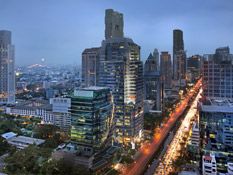 Step outside and experiencethe best of Bangkok