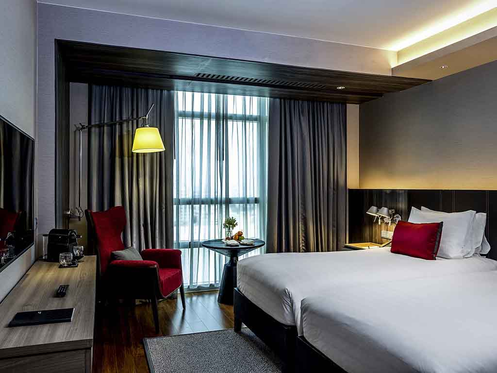 hotel in bangkok pullman bangkok king power executive room lounge access 2 single size beds high floor