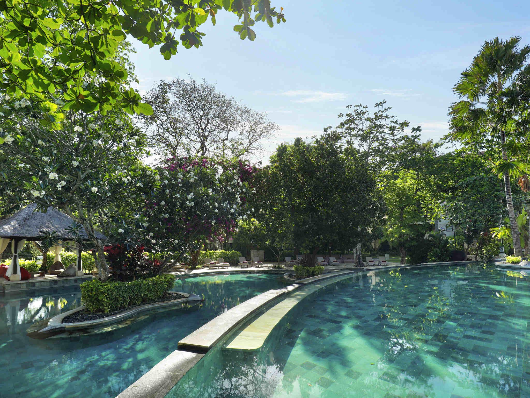 Novotel Bali Nusa Dua Hotel & Residences | AccorHotels