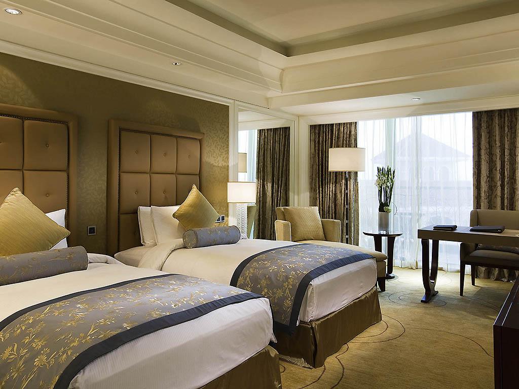 Hotel de luxe shanghai sofitel shanghai sheshan oriental for Cama grand king