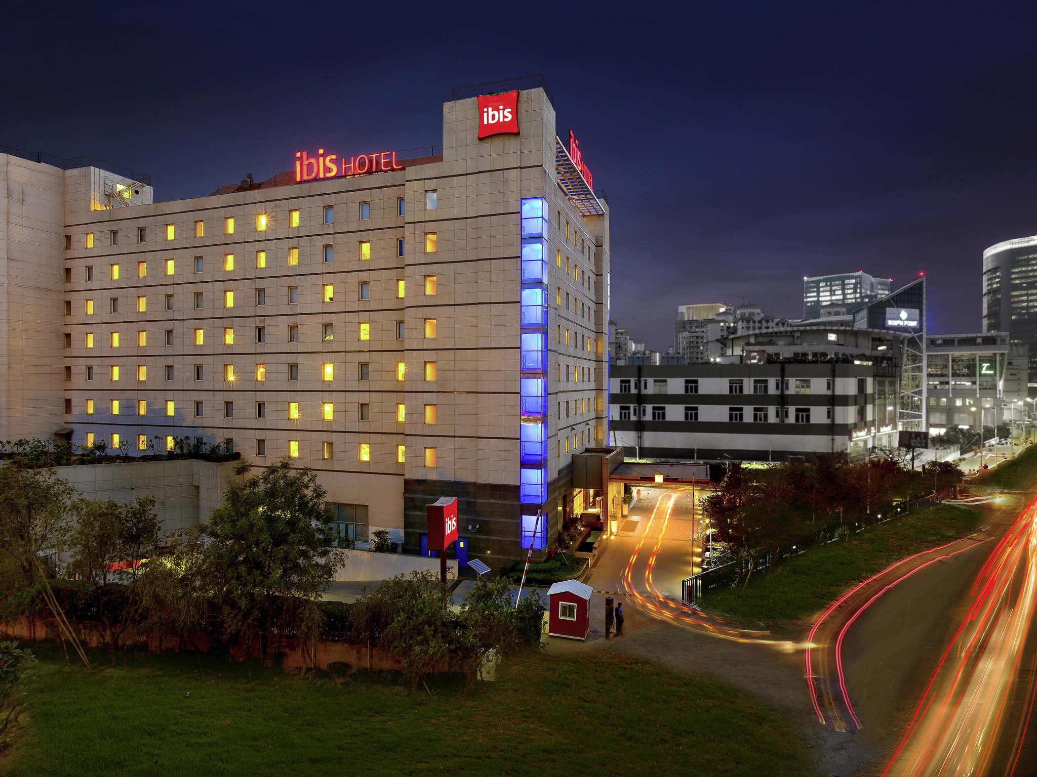 호텔 – ibis Gurgaon Golf Course Road