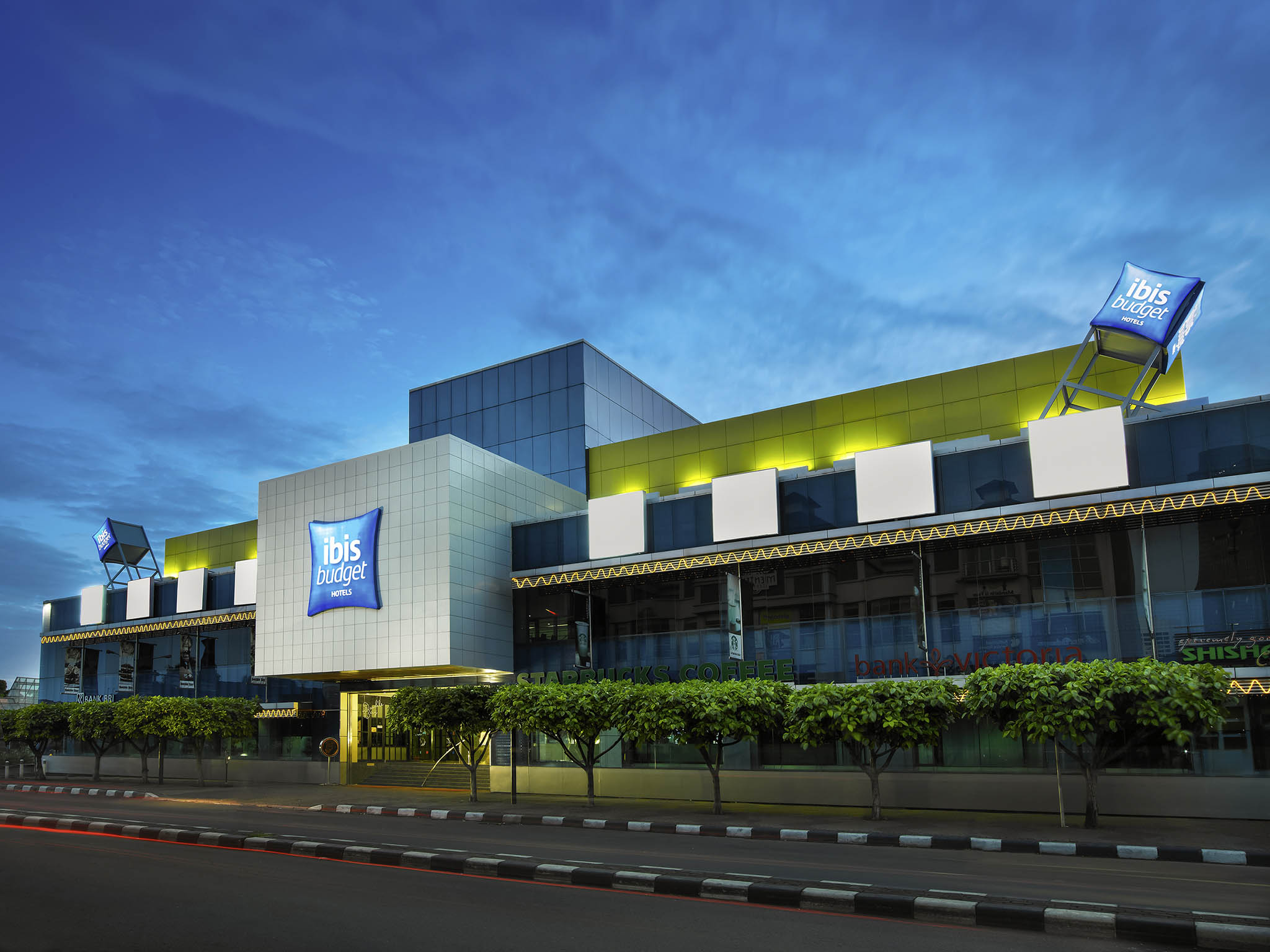 Отель — ibis budget Джакарта Ментенг