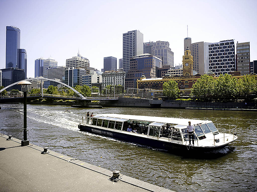 Hotels Near Queen St Melbourne