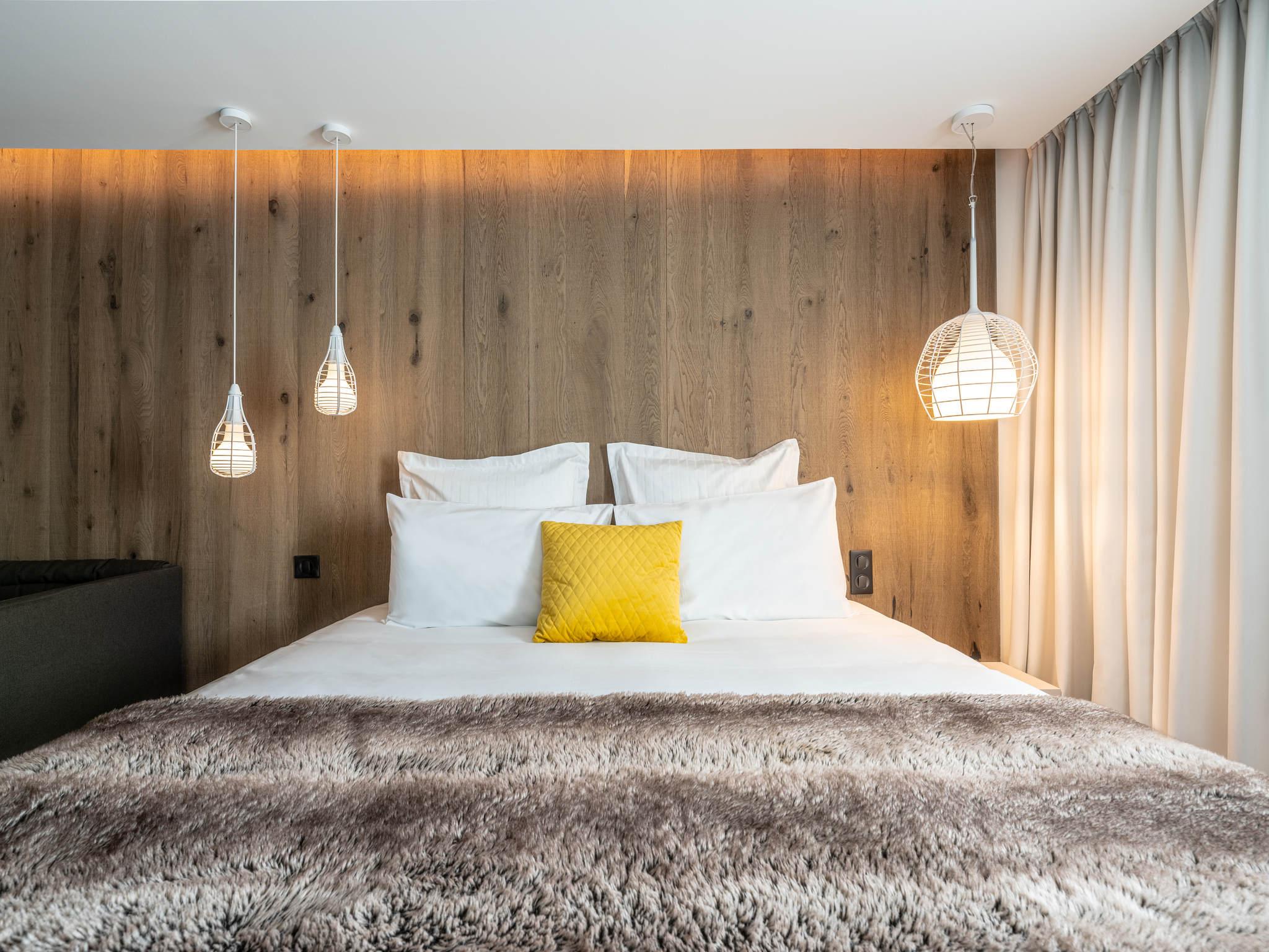 hotel em valence hotel mercure valence sud. Black Bedroom Furniture Sets. Home Design Ideas