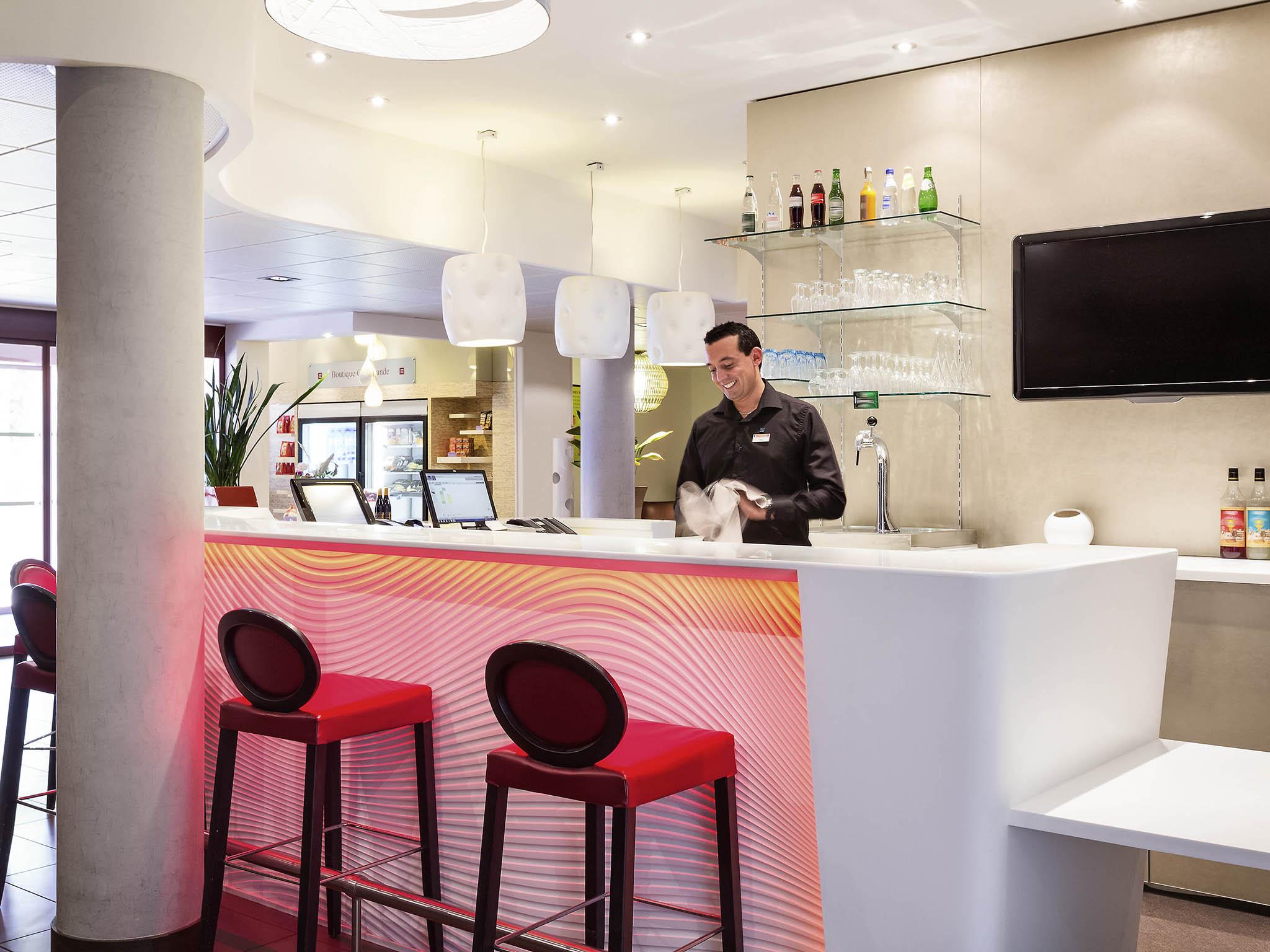 Bar Novotel Suites Perpignan Mediterrane