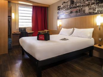 hotel pas cher mandelieu la napoule ibis cannes mandelieu. Black Bedroom Furniture Sets. Home Design Ideas