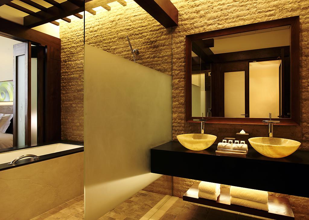 Book a luxury hotel room in dubai sofitel dubai the palm for Hotel room in dubai