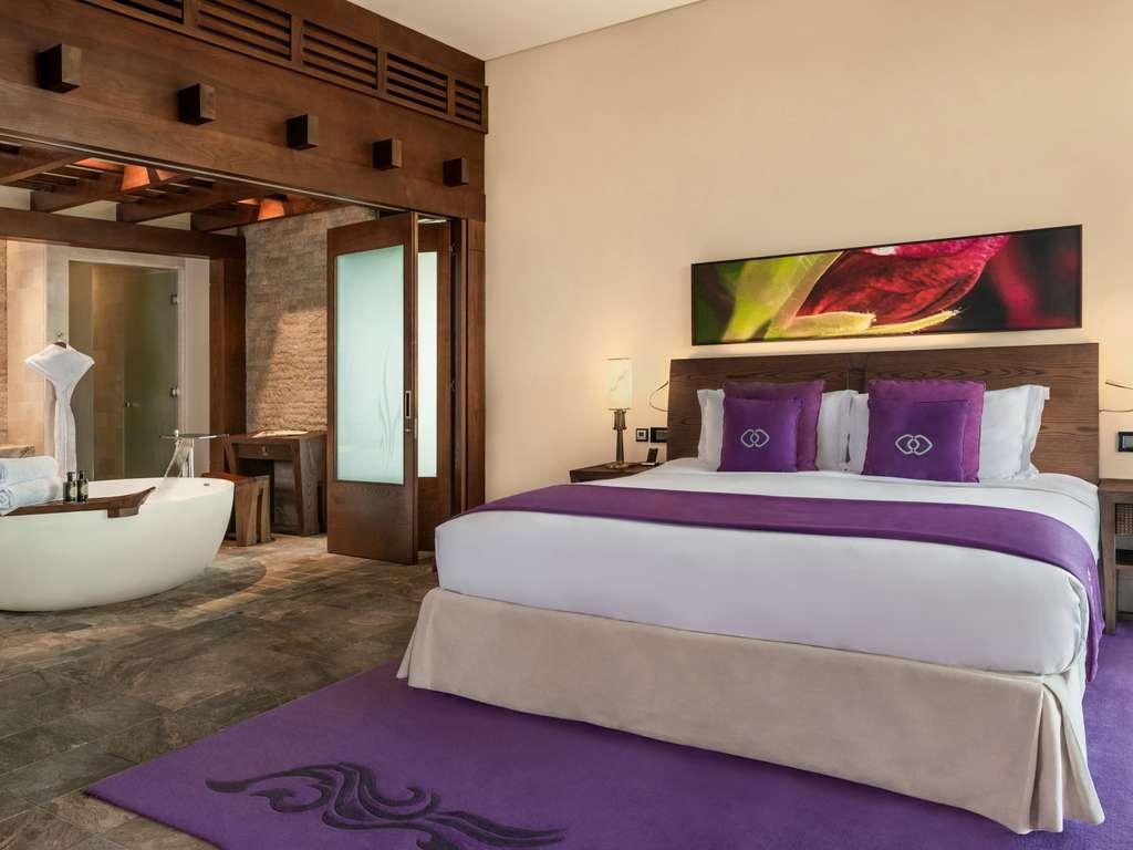 Hotel in dubai   sofitel dubai the palm resort & spa