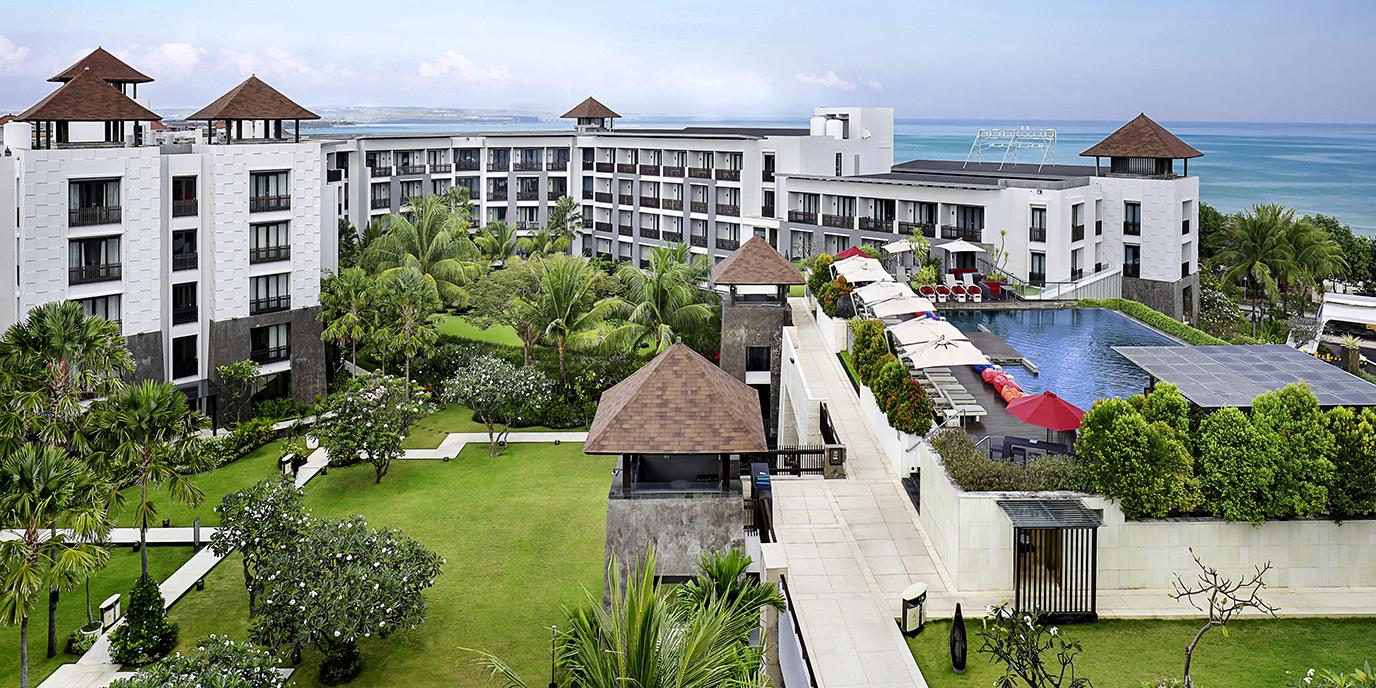 Hotel legian pullman bali legian beach for Hotels in legian bali