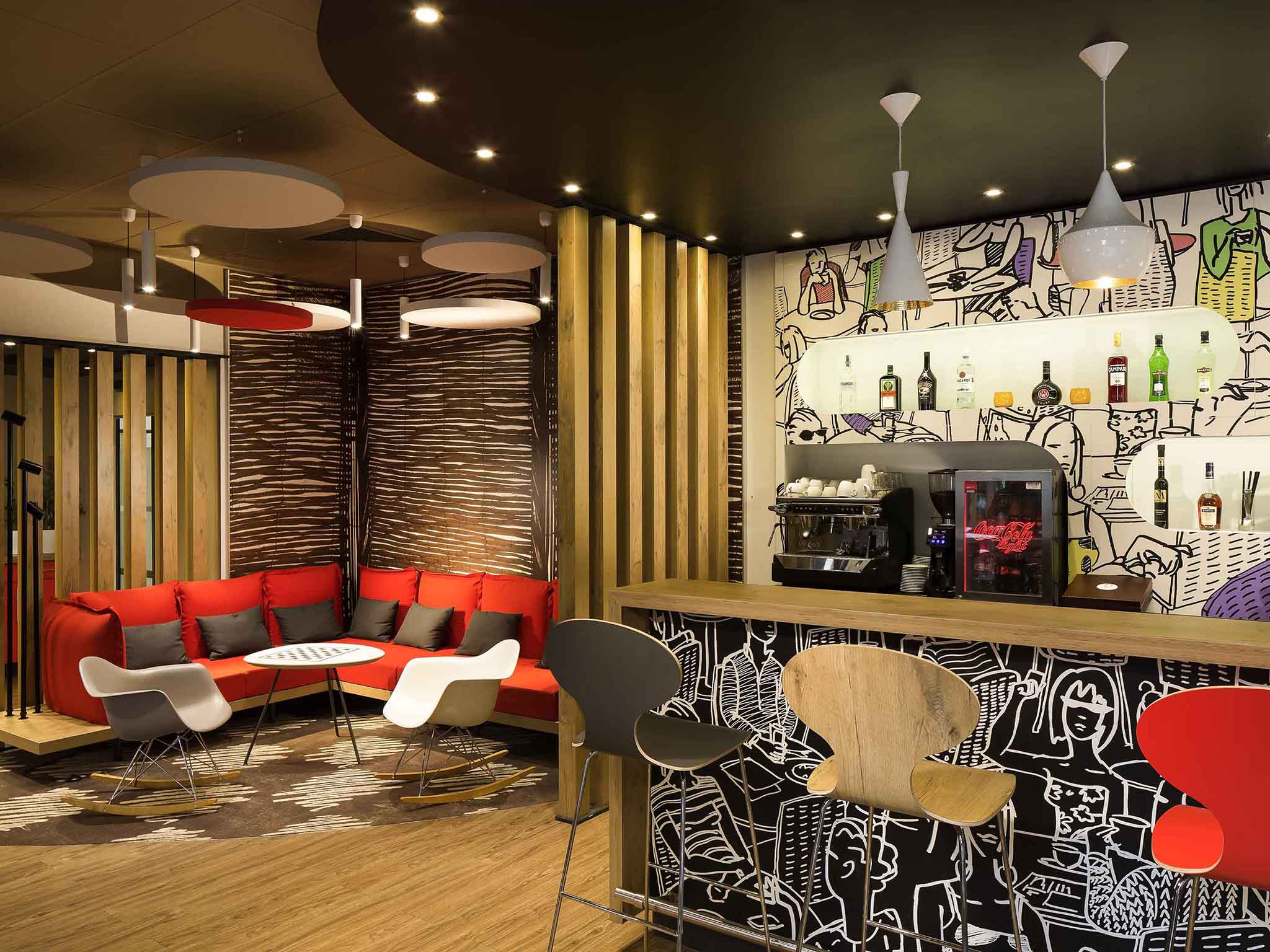 Otel – ibis Budapest Heroes Square