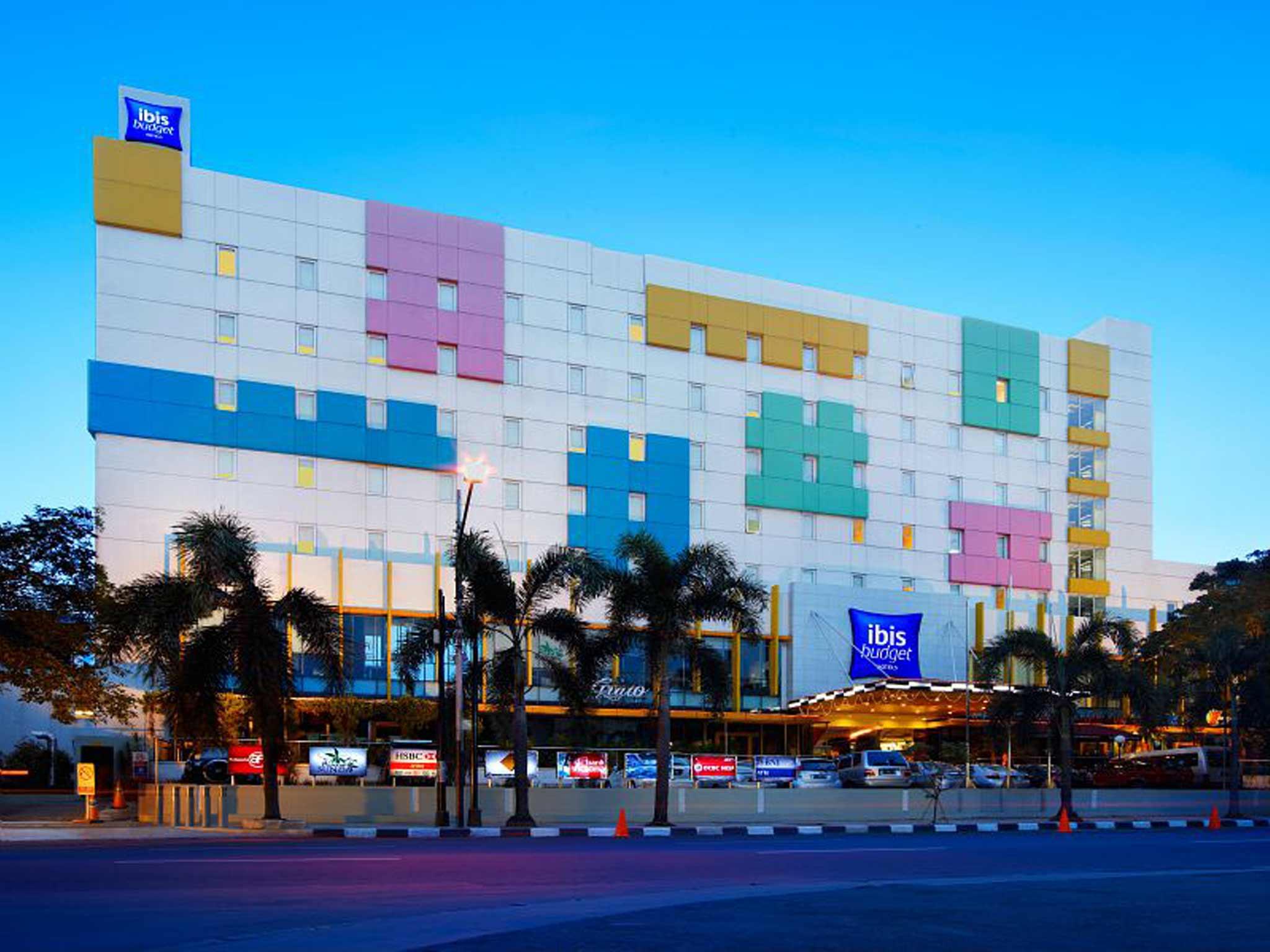 Отель — ibis budget Джакарта Цикини