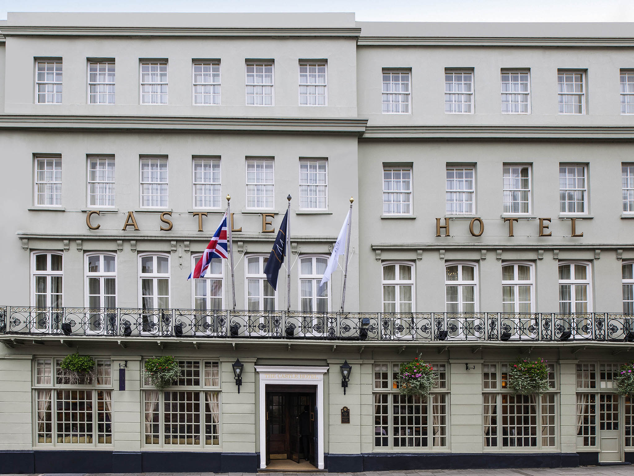 Отель — Castle Hotel Windsor - MGallery by Sofitel
