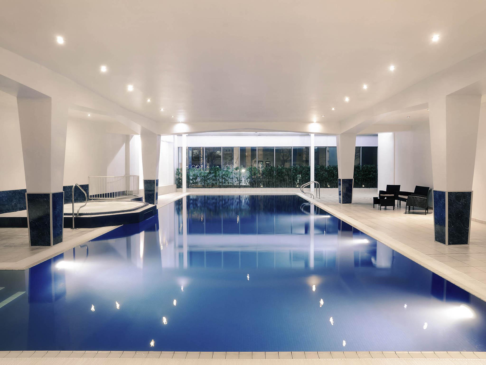 โรงแรม – Mercure Cardiff Holland House Hotel & Spa