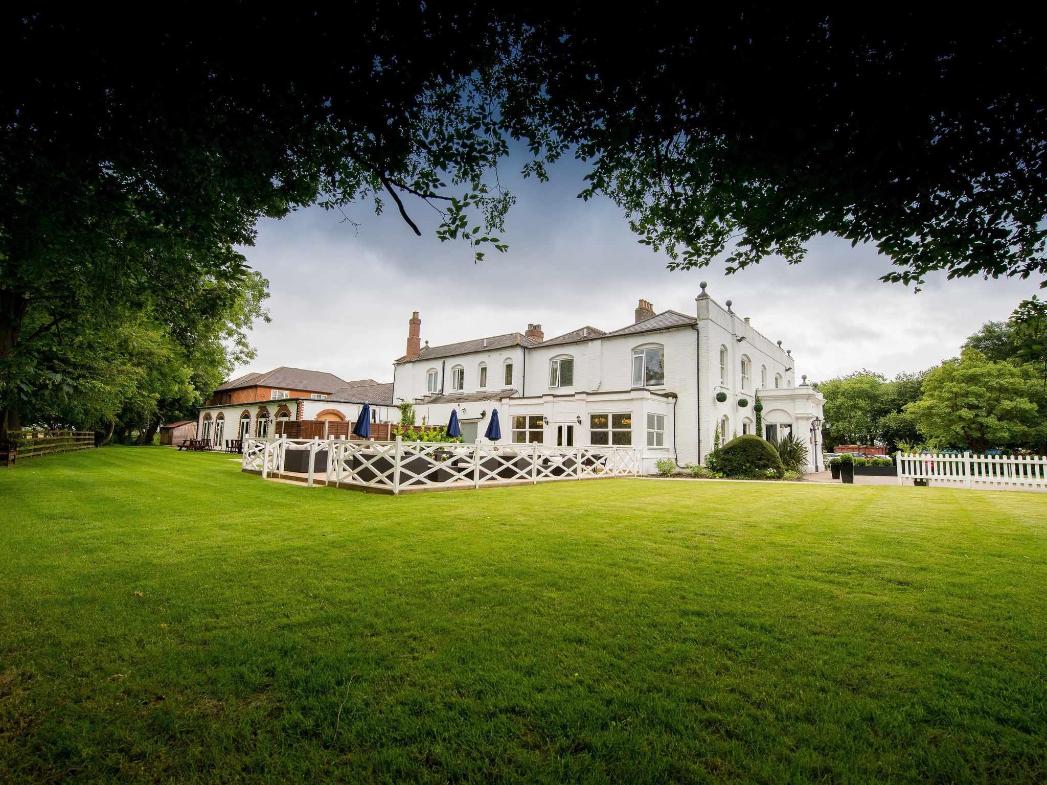 Woughton House Hotel Milton Keynes