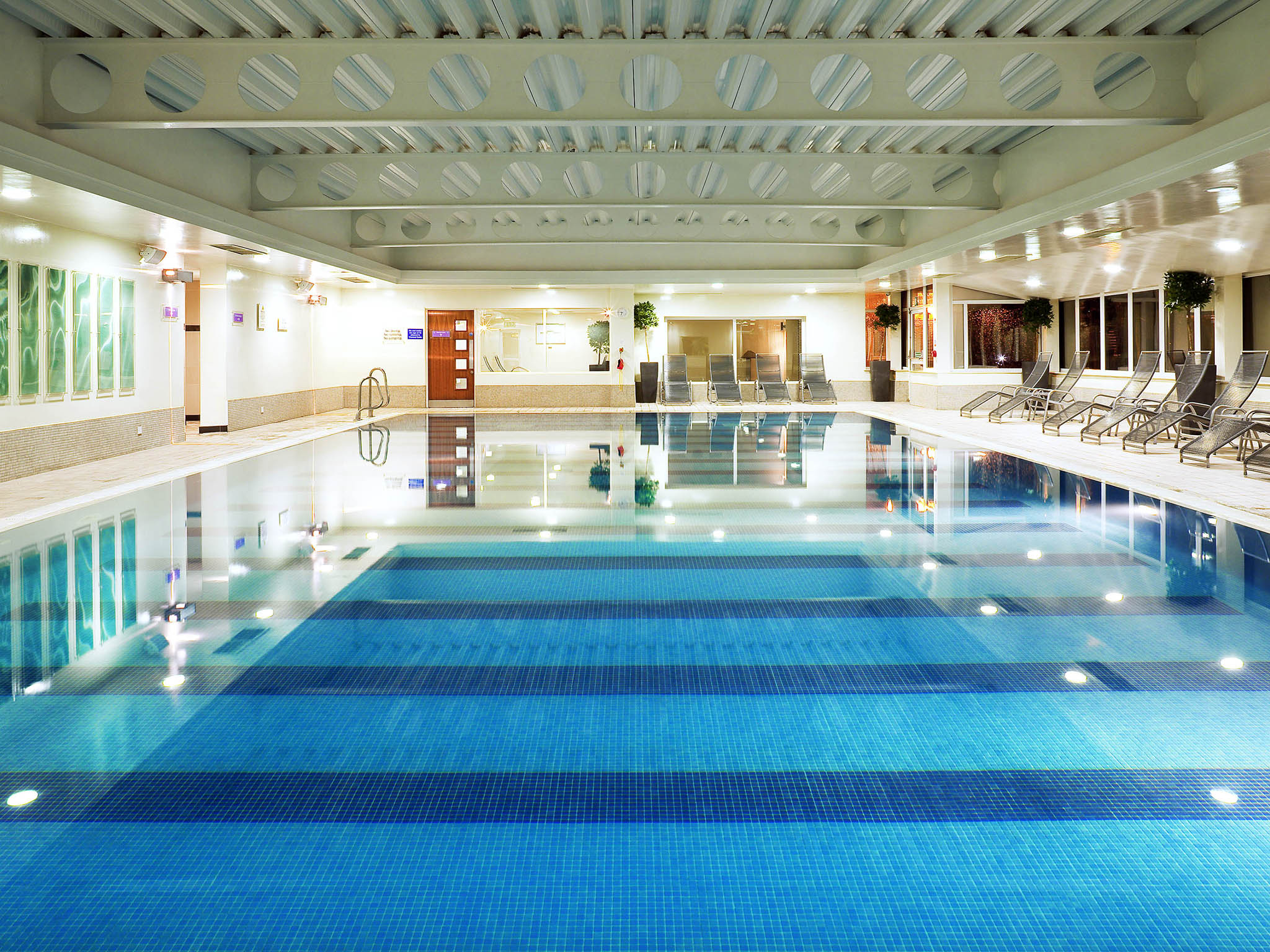 Hotel en rochdale mercure manchester norton grange hotel spa for Gyms in manchester city centre with swimming pools