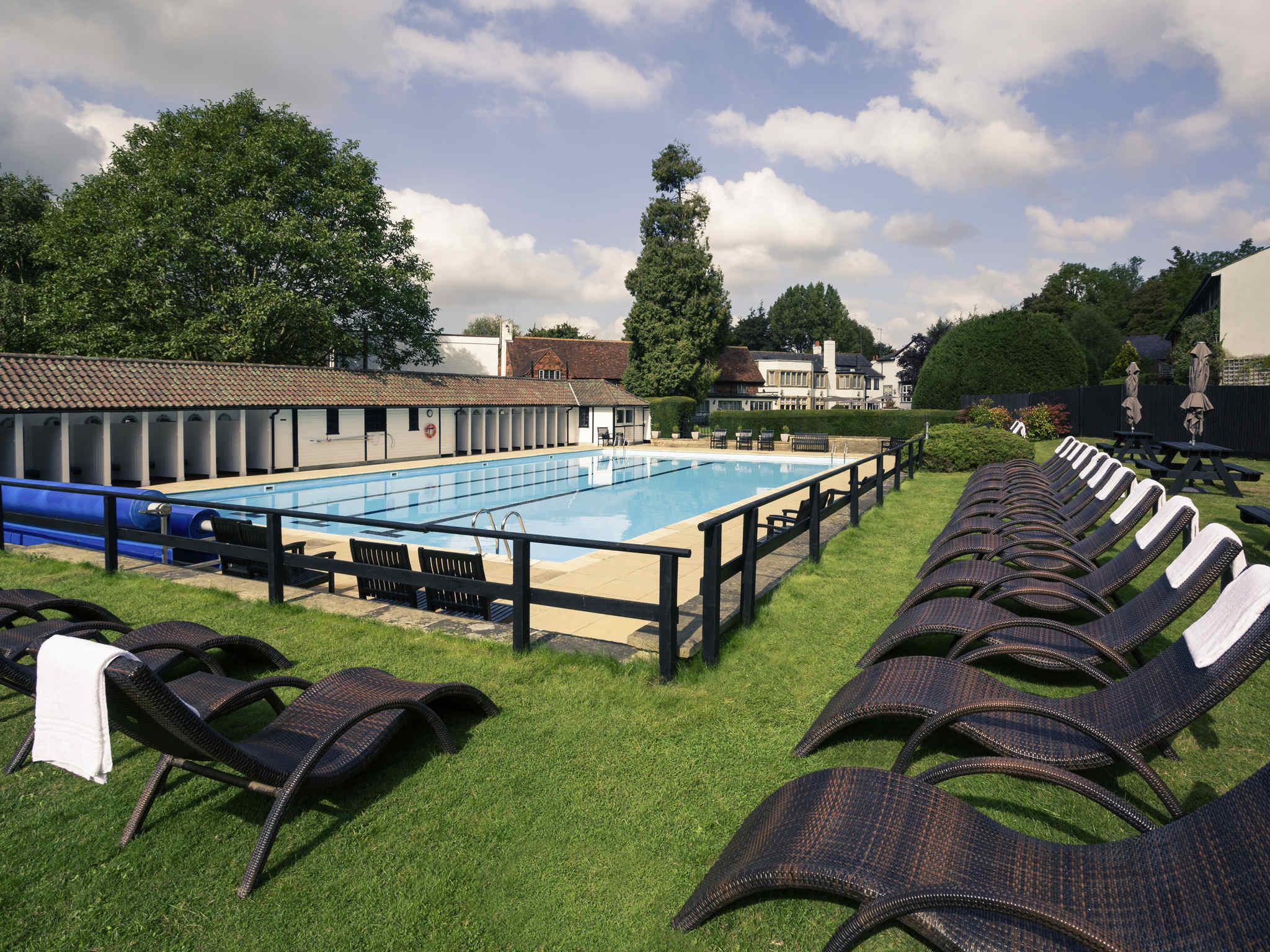 Otel – Mercure Box Hill Burford Bridge Hotel