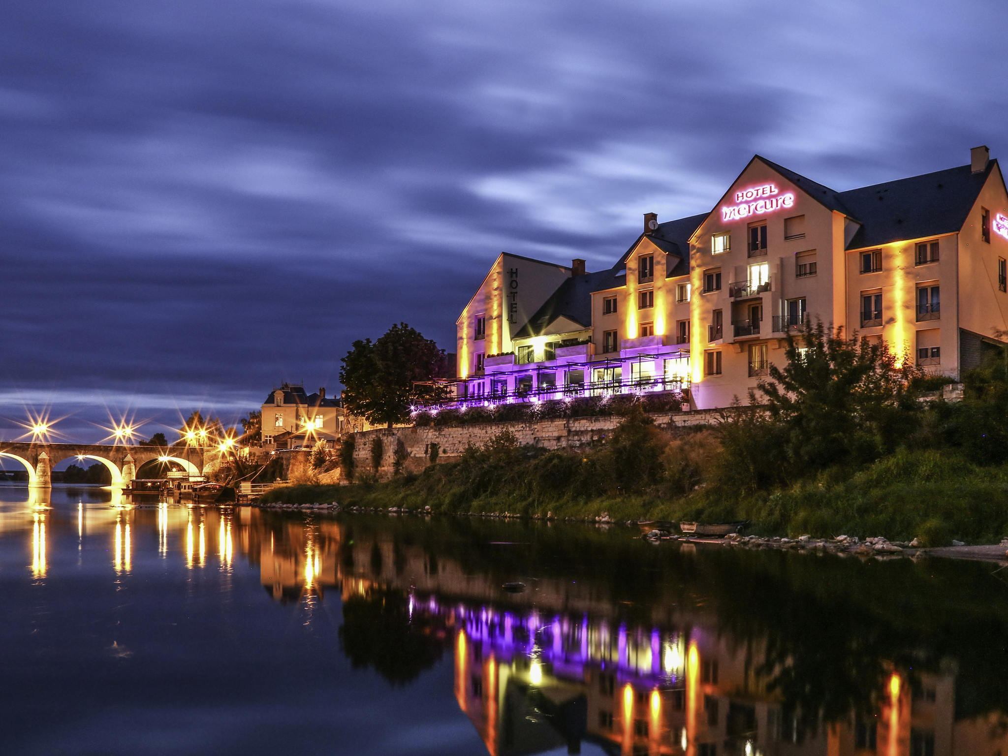 ホテル – Hôtel Mercure Bords de Loire Saumur