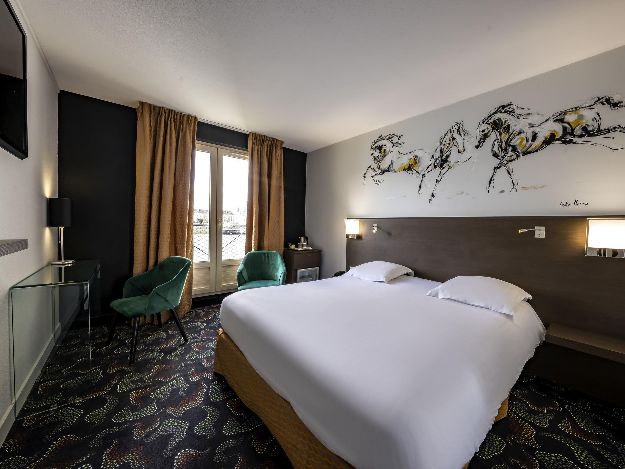 Hotel in saumur mercure bords de loire saumur hotel for Hotels saumur