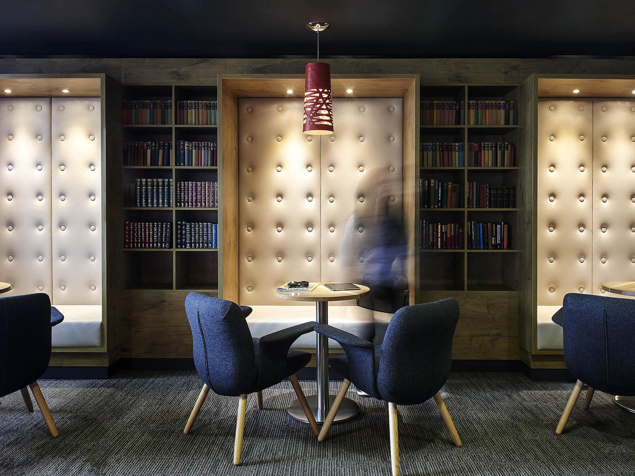 Ibis Swansea Comfortable Modern Hotel In Swansea
