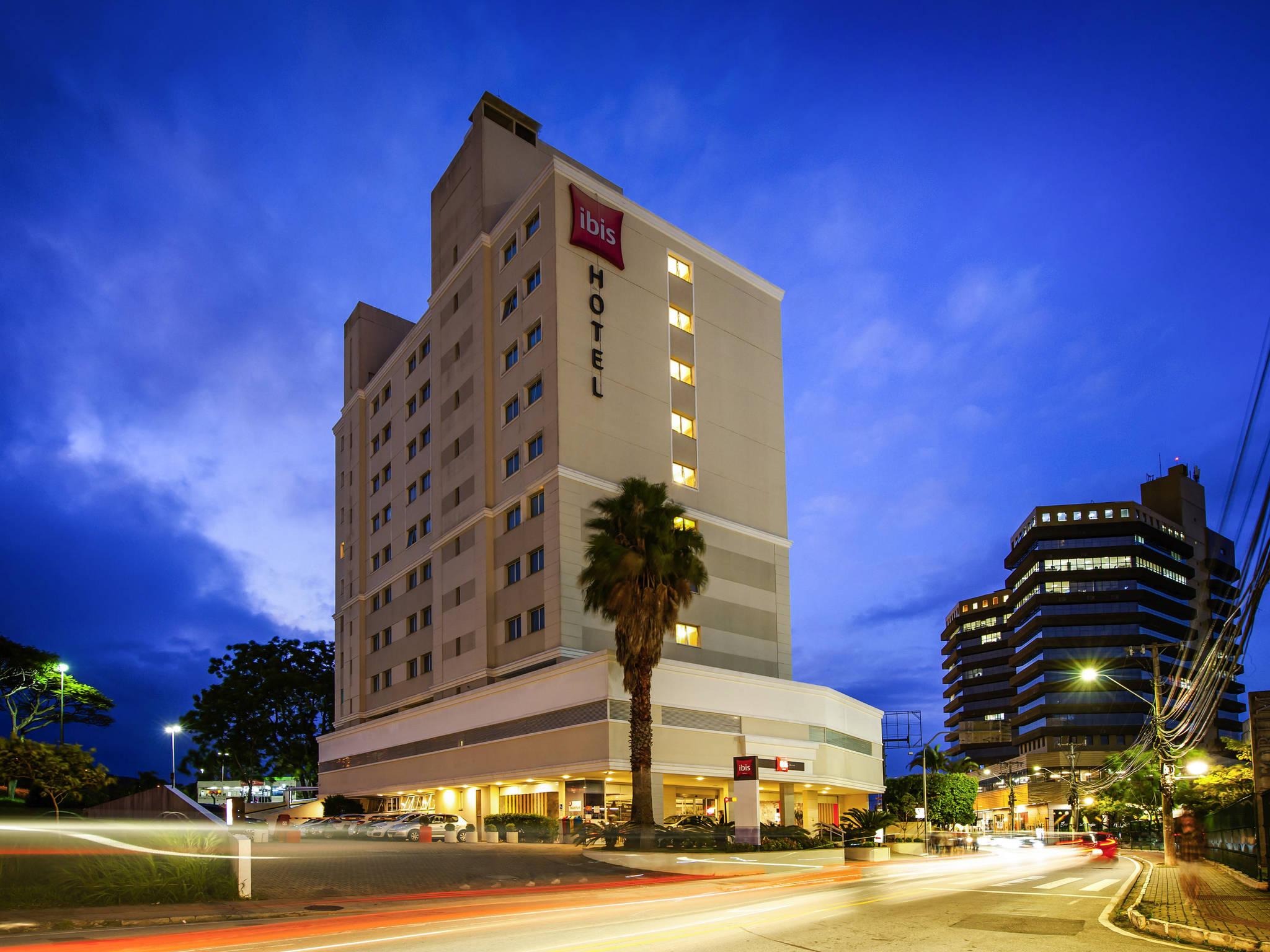 Отель — ibis São José