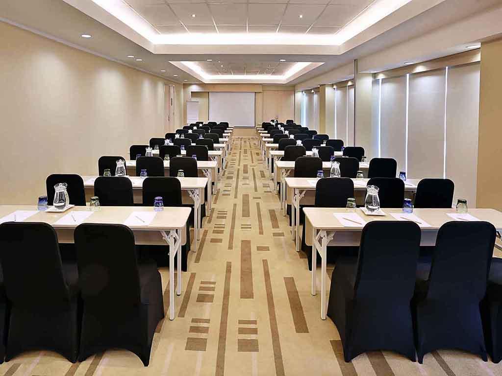 Hotel In Jakarta Mercure Simatupang Accorhotels Paket Murmer Acces Point Komplit Meeting Room