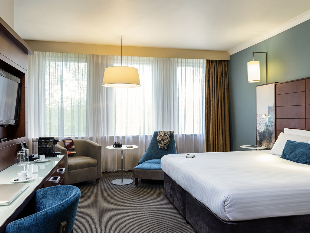 H tel bristol mercure bristol holland house hotel and spa for Chambre avec lit king size