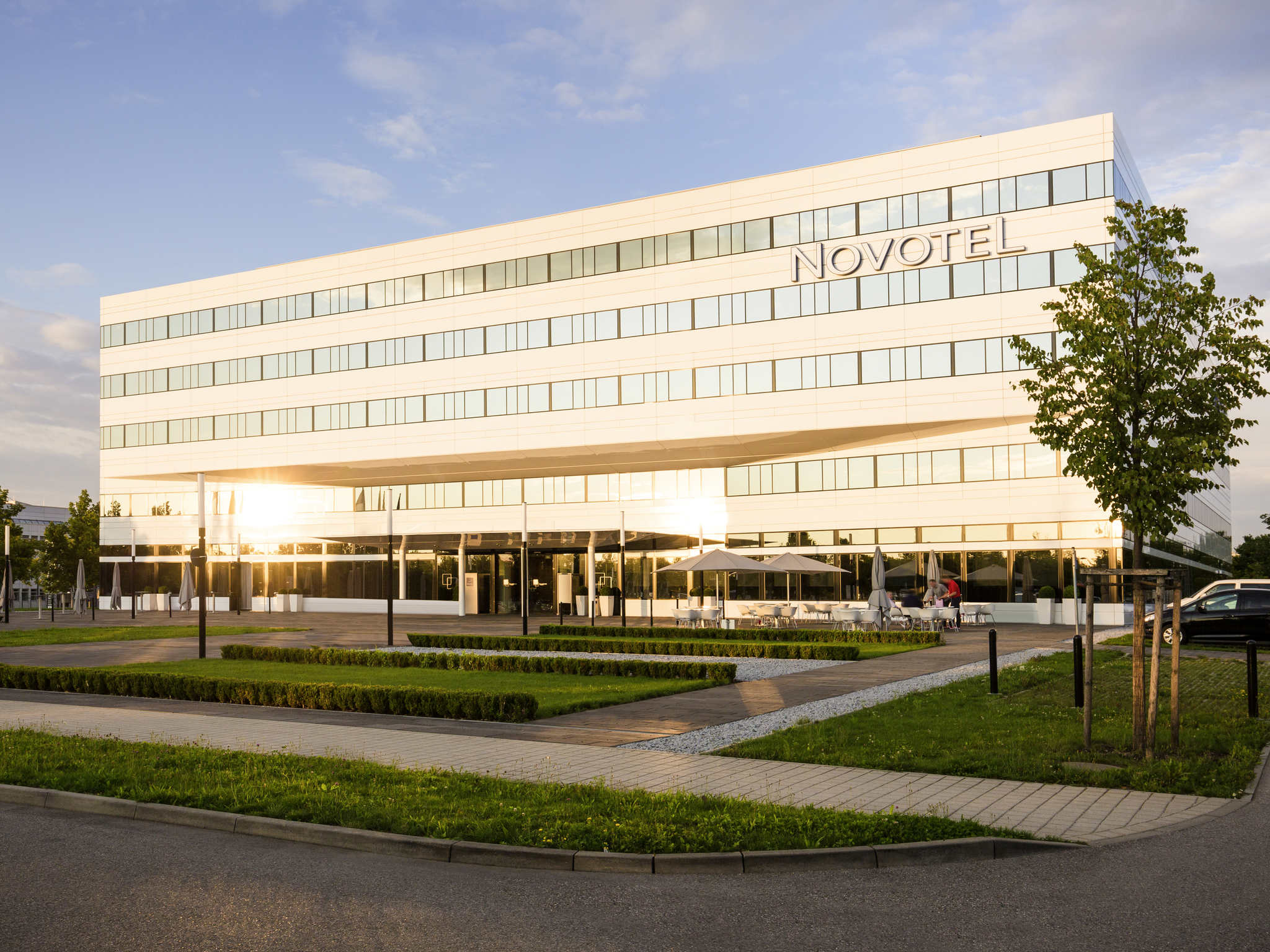 Отель — Novotel Мюнхен Аэропорт
