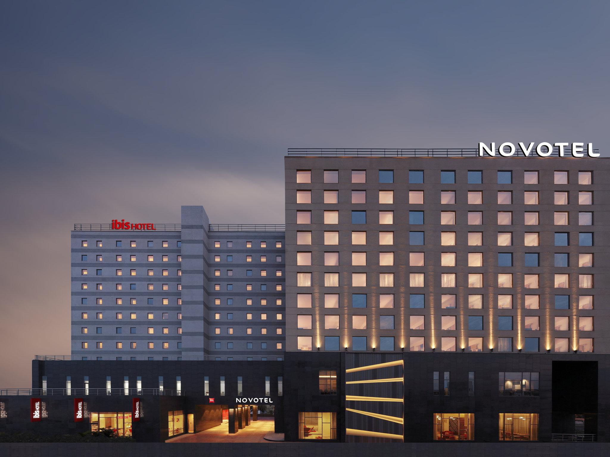 โรงแรม – Novotel Chennai OMR