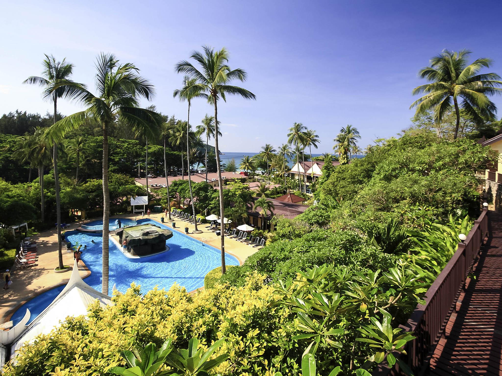 Hotel – all seasons Naiharn Phuket