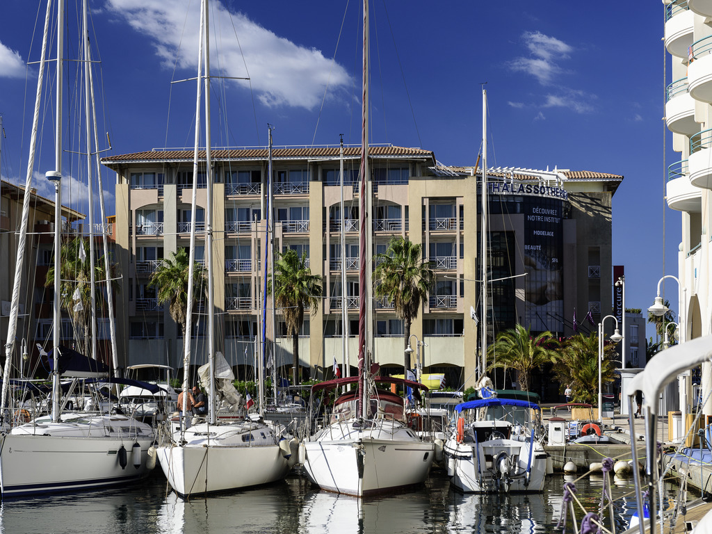 Hotel in frejus hotel mercure thalassa port fr jus for Hotels frejus