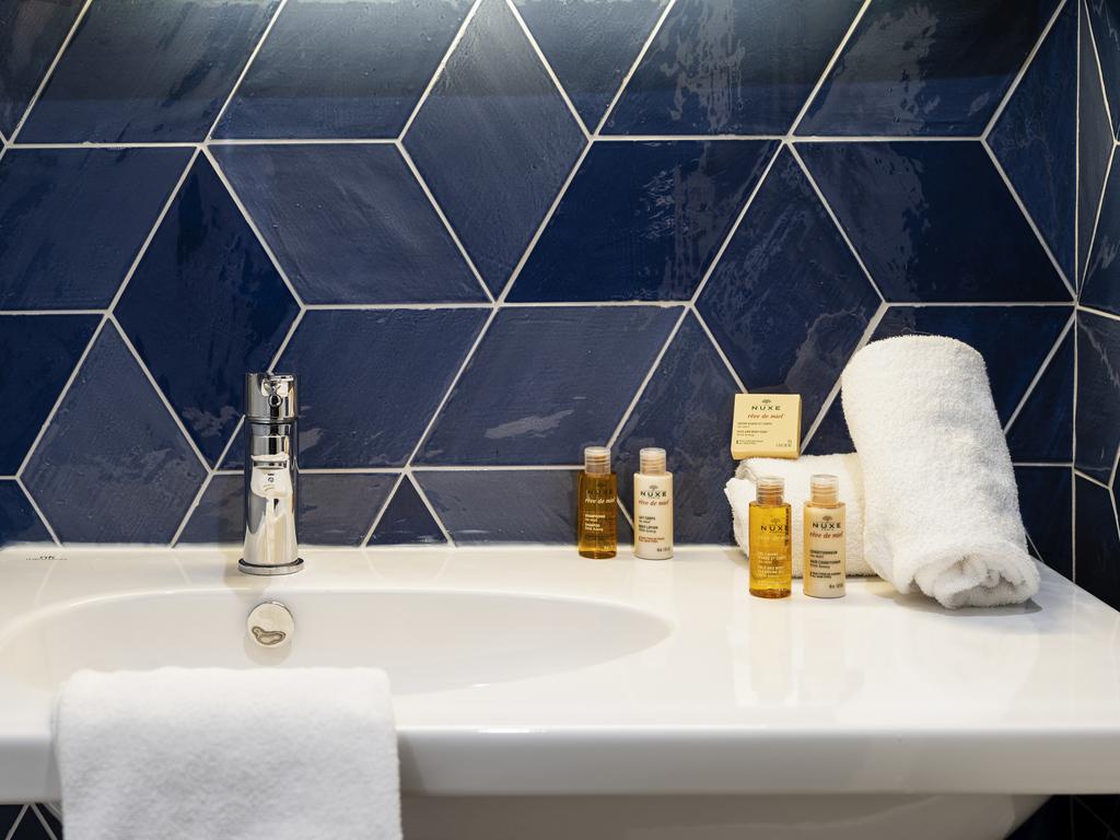 Hotel fr jus mercure thalassa port frejus accorhotels - Chambre de commerce frejus ...