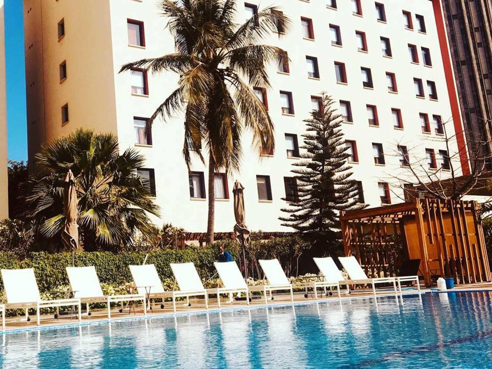 Отель — ibis Дакар