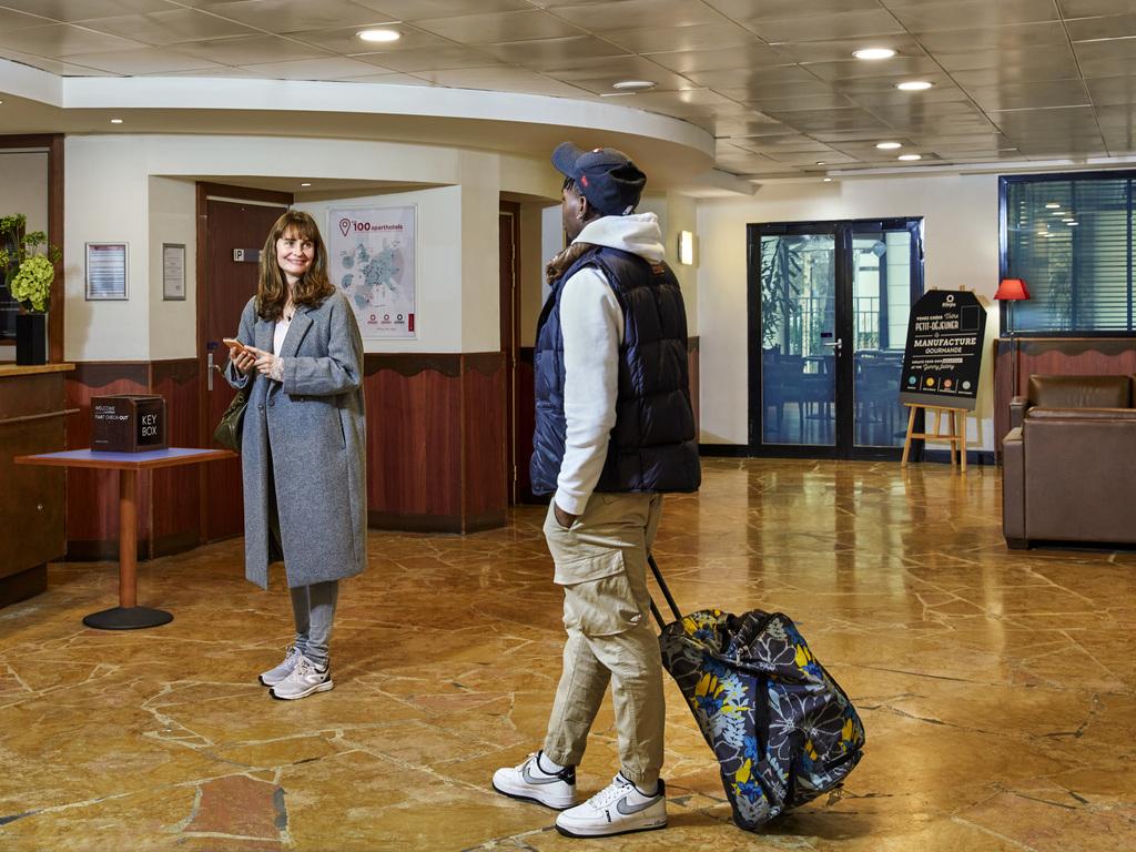 aparthotel adagio la defense le parc nanterre informationen und buchungen online viamichelin. Black Bedroom Furniture Sets. Home Design Ideas