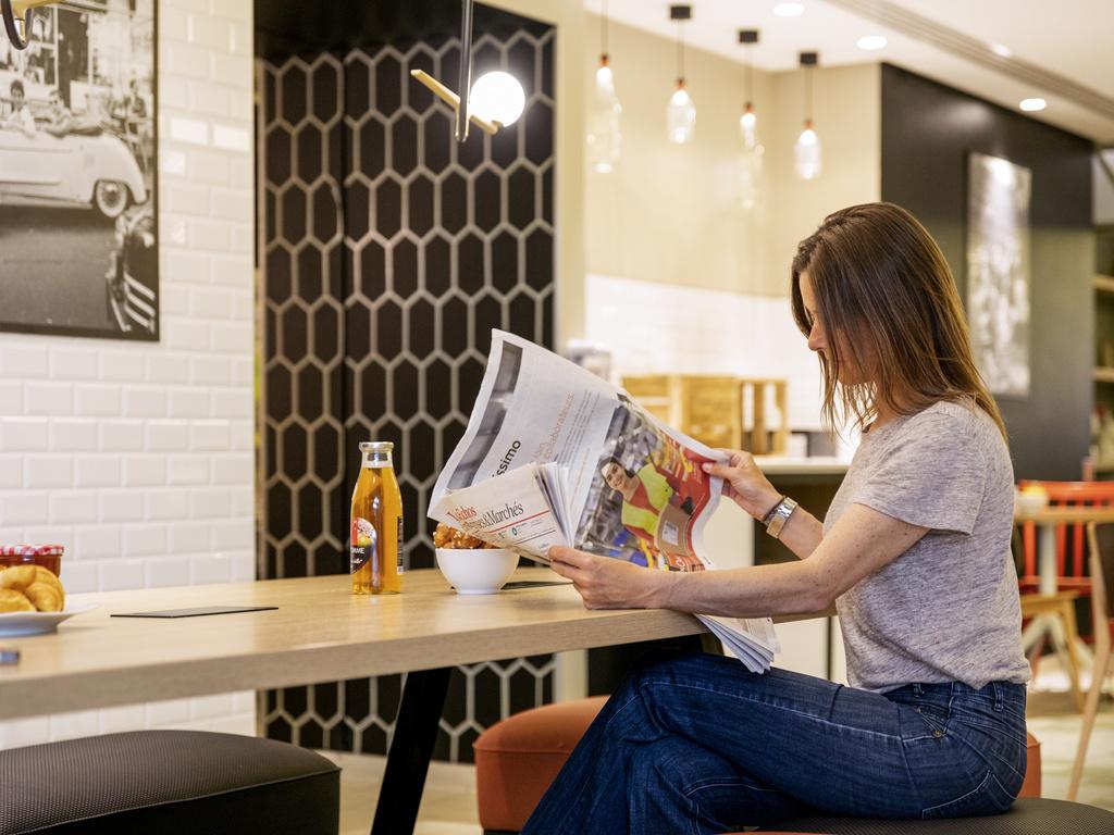 aparthotel in paris book your aparthotel adagio paris. Black Bedroom Furniture Sets. Home Design Ideas