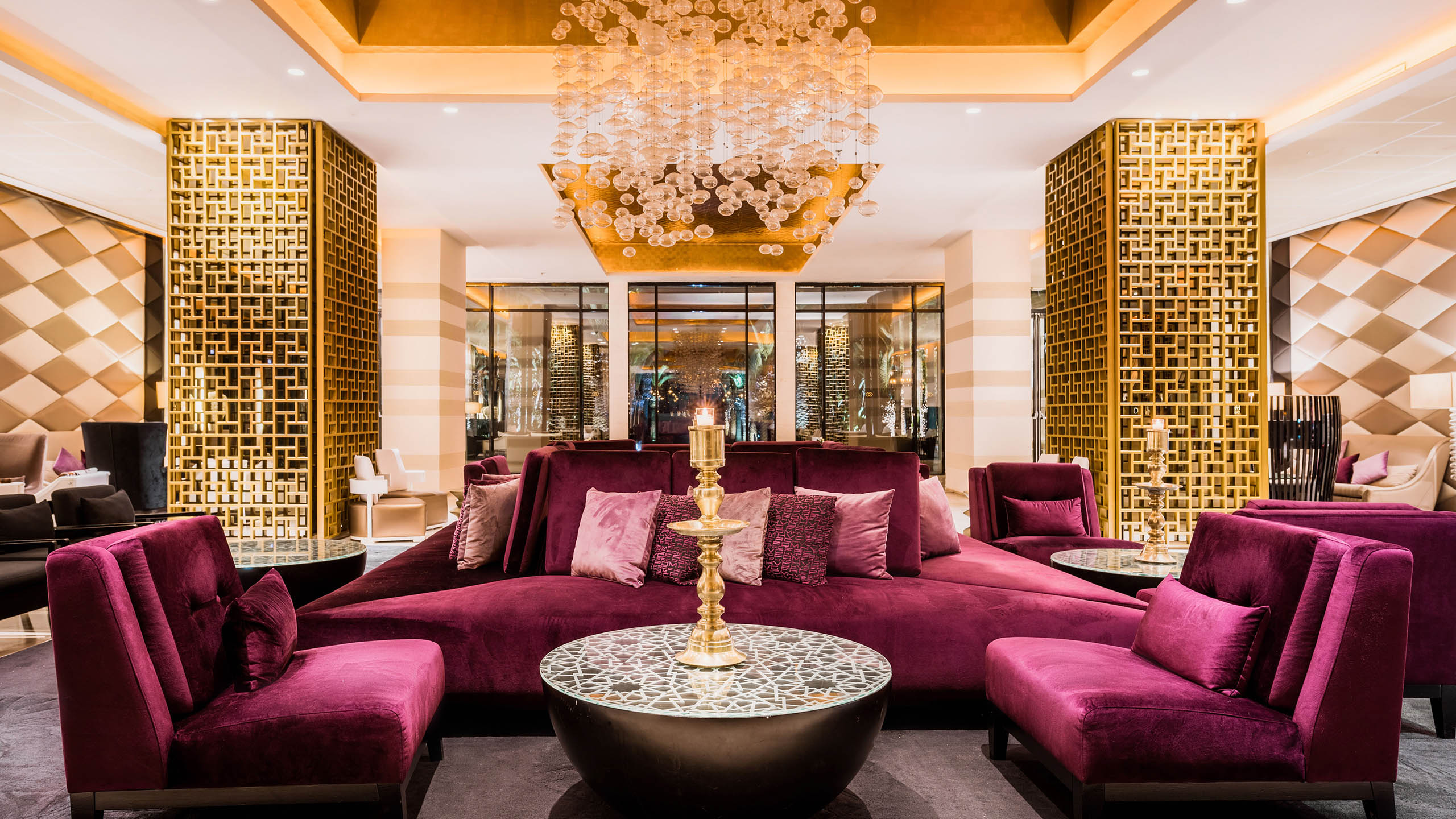 Luxury hotel rabat sofitel rabat jardin des roses for Hotel decor items