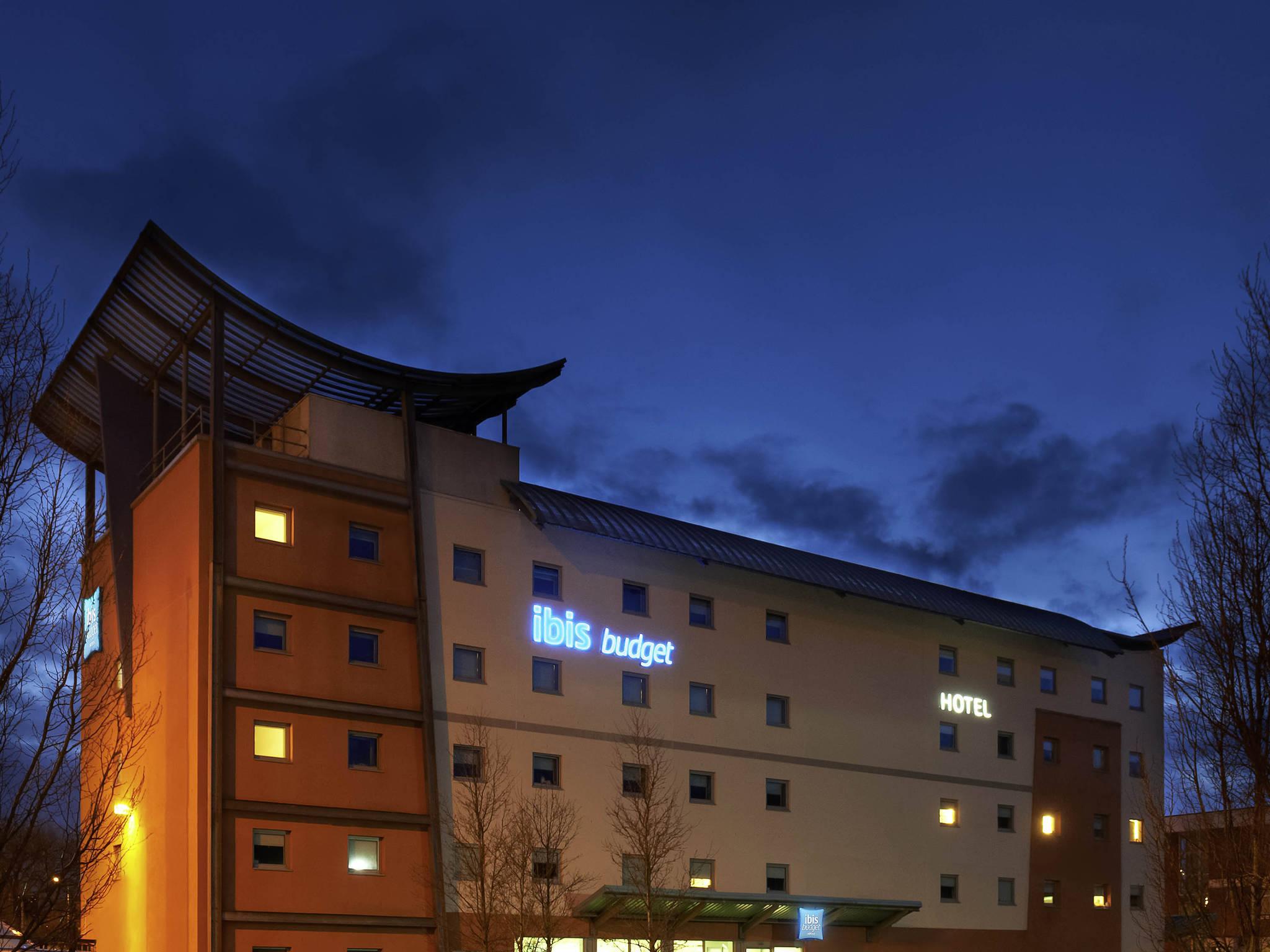 Отель — ibis budget Newport