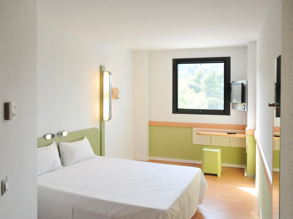 Accommodation In Girona Book Your Stay At The Ibis Budget In