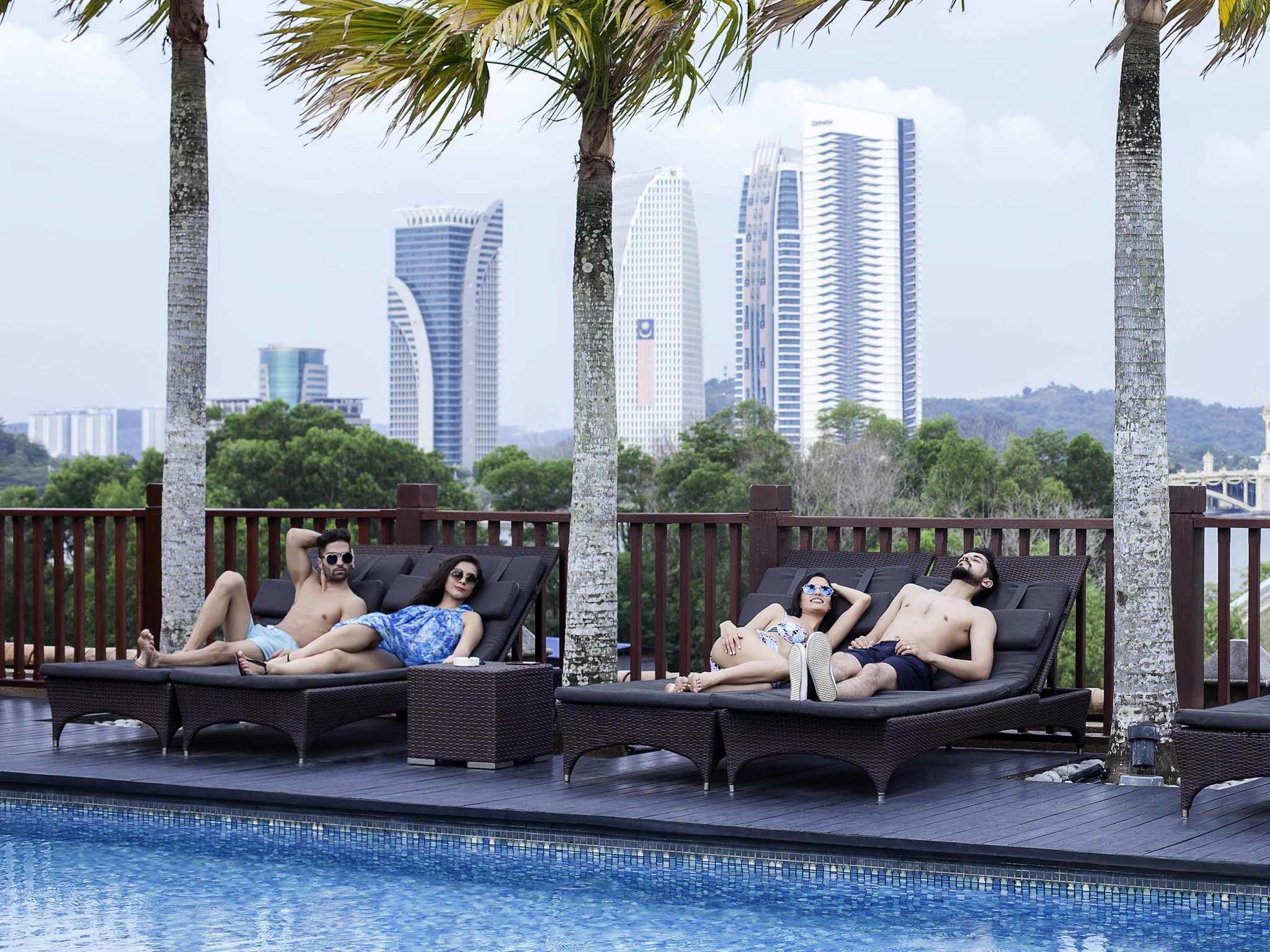 โรงแรม – Pullman Putrajaya Lakeside
