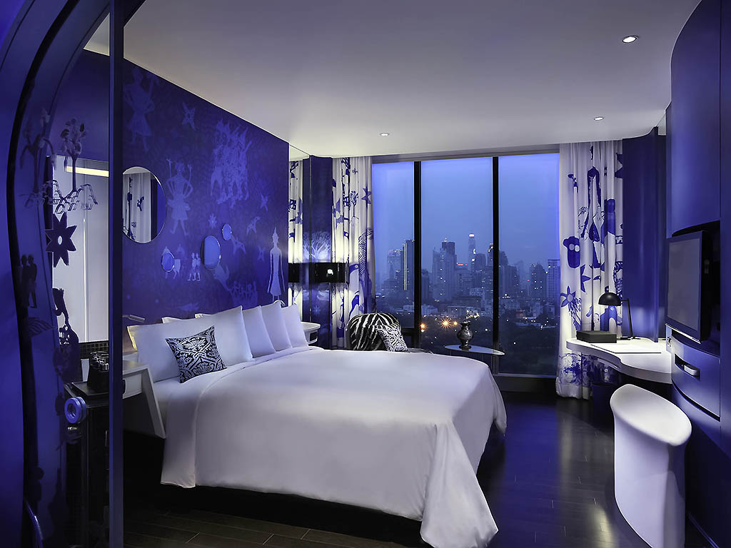 So Club Room 1 King Bed Lumpini Park View 4 Themed Designs