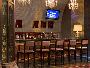 LE CLUB WINES AND CIGARS BAR