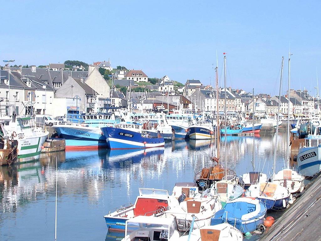 Hotel pas cher port en bessin ibis bayeux port en bessin - Restaurant port en bessin fleur de sel ...