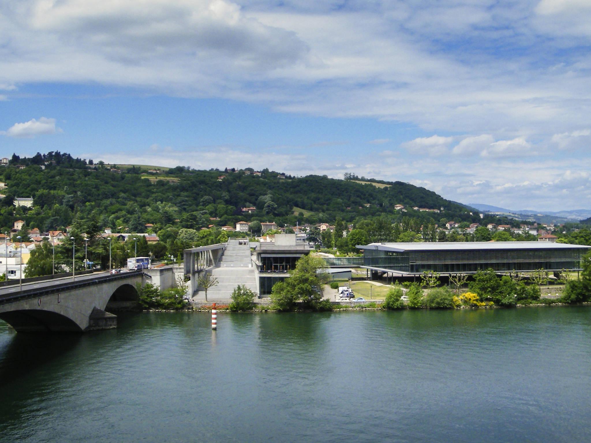 Hotel in vienne ibis lyon sud vienne saint louis for Hotels vienne