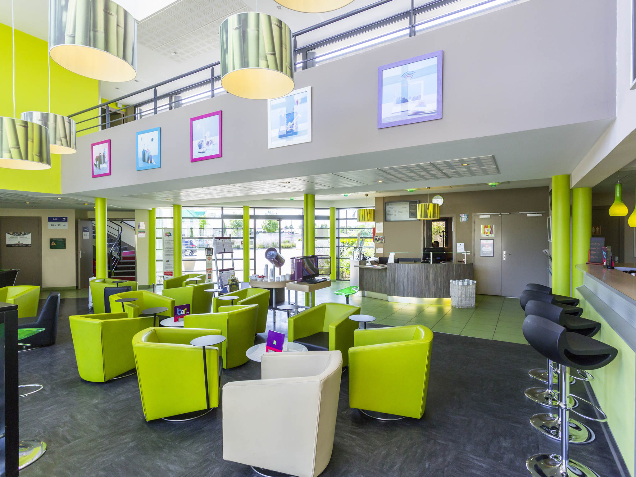 Hotel em bourges ibis styles bourges for Hotel burgeis