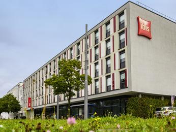 hotel munich ibis hotels for a weekend break or business trip in munich rh ibis accorhotels com
