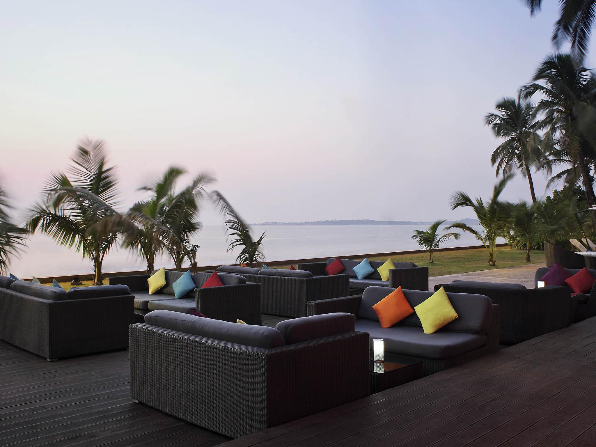 Top 10 Mumbai Hotels Near Juhu Beach | India | Hotels.com