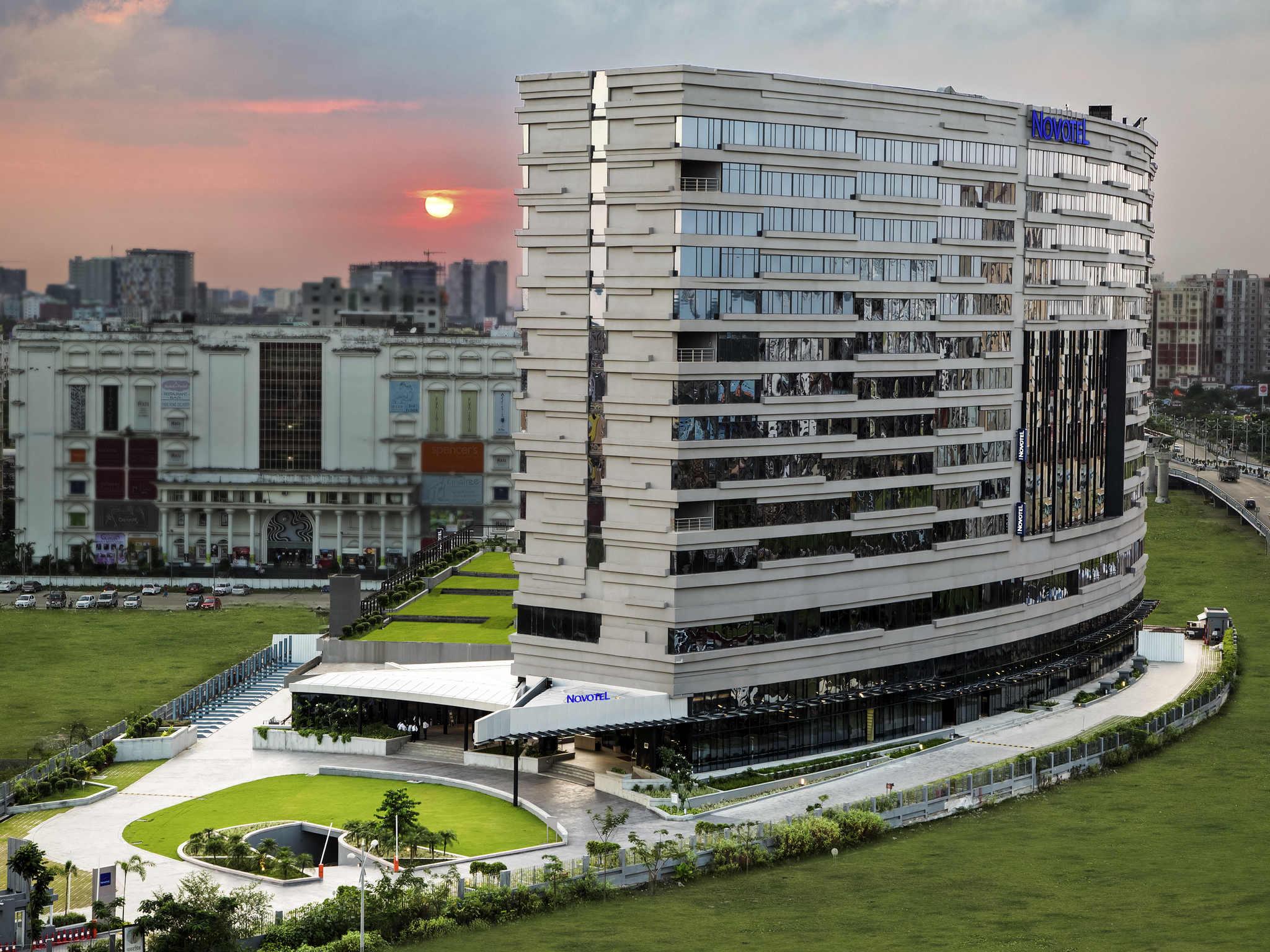 Hotel – Novotel Kolkata Hotel and Residences