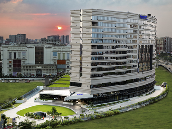 Novotel Kolkata - Hotel & Residences
