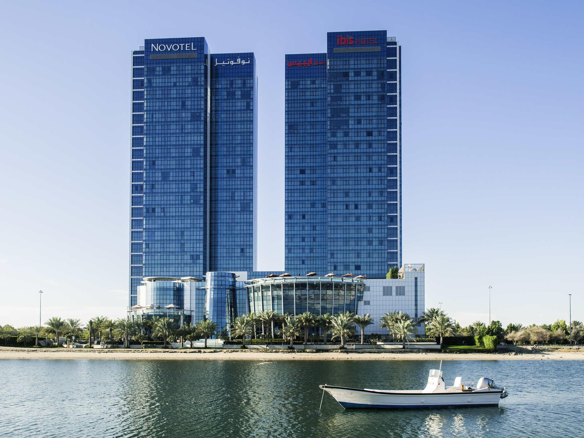 Отель — Novotel Абу-Даби Гейт